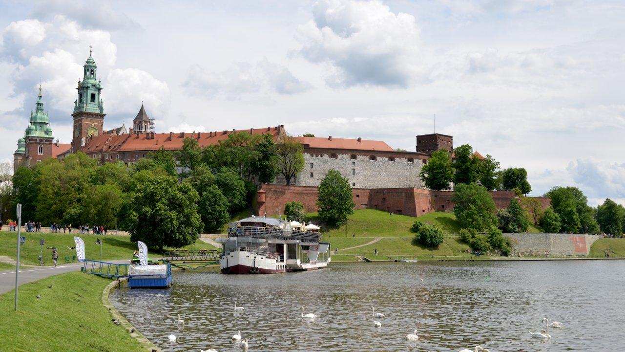 http://worldinprogress.fr/wp-content/uploads/2014/05/Château-de-Wawel.jpg